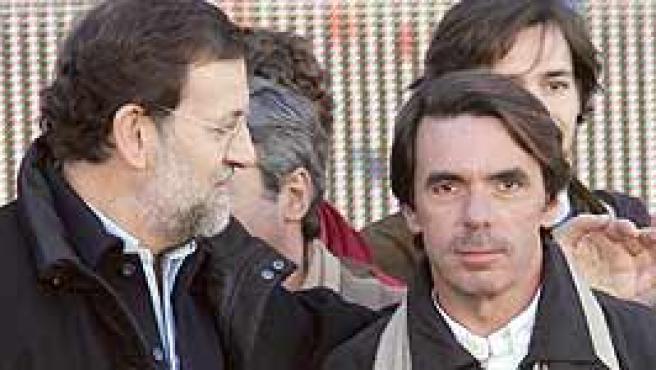 Aznar acudió junto a Rajoy a la concentración (Efe).