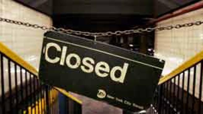 Una estación cerrada en Nueva York (Reuters).