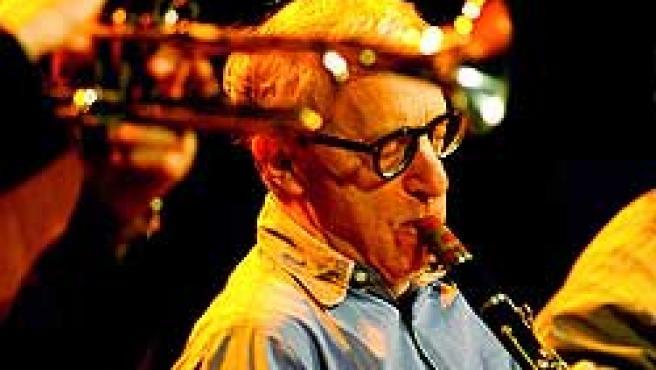 Woody Allen durante su actuación anoche en Barcelona (Reuters)