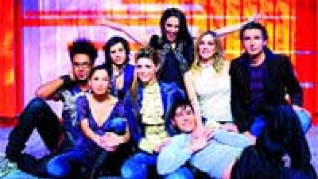Los presentadores de Cuatrosfera y 40 Pop presentarán el especial de Nochevieja en Cuatro.