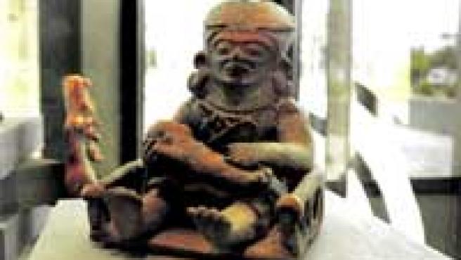 La muestra ofrece, además de las esculturas, una serie de documentos pertenecientes a los estudios arqueológicos de cada obra.