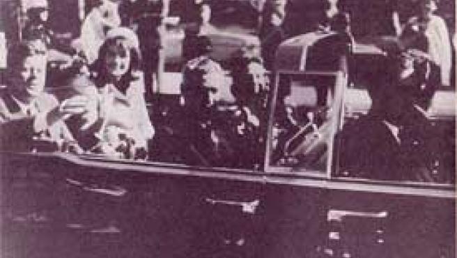 Kennedy, momentos antes del asesinato en Texas