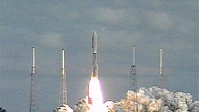 Imagen del despegue del cohete Atlas, que transporta la sonda 'Nuevos Horizontes' (www.nasa.org).