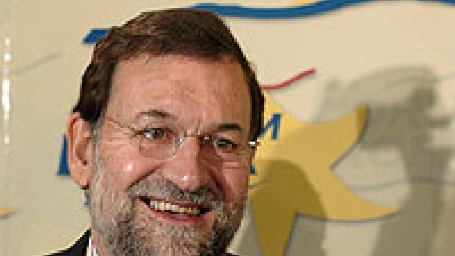 Mariano Rajoy poco antes de comparecer en el Foro de Nueva Economía (Foto: Efe).