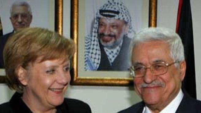 Angela Merkel y Abú Abas (Efe).