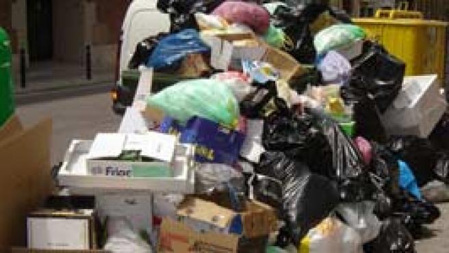 Cada ciudadano produce 1,38 kilos de basura al día (Efe).