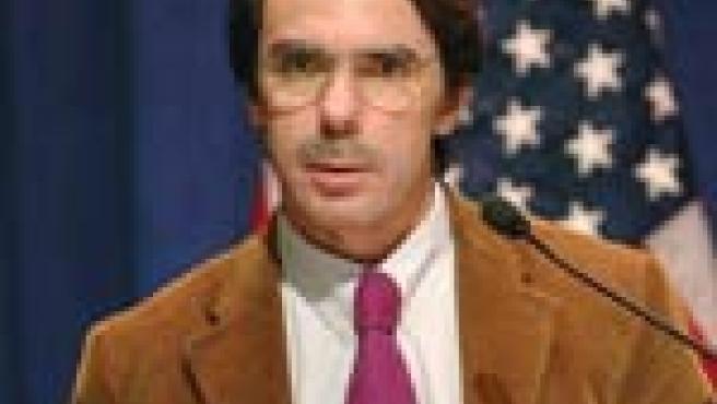 Aznar, en presencia de los periodistas en Washington