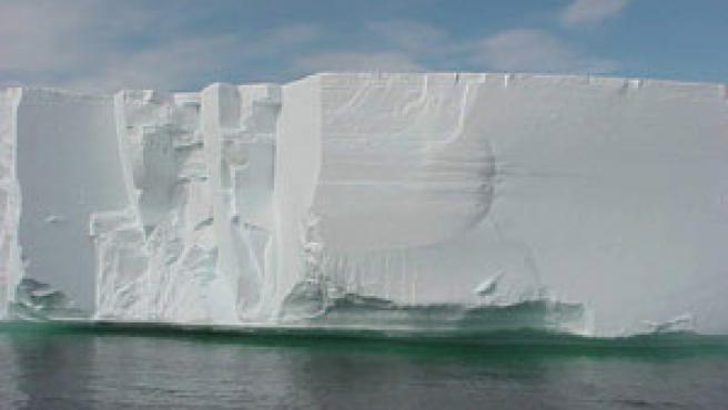 La Antártida contiene un 70% del agua dulce del mundo.