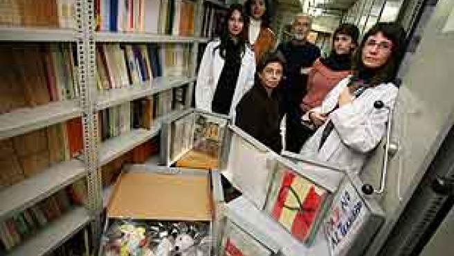 Parte del equipo del CSIC dedicado al Archivo del Duelo.