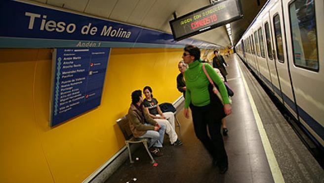 Tirso de Molina se ha quedado 'tieso' en su estación (Sergio González).