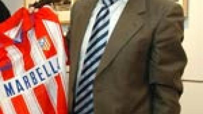 Tomás Reñones, en una imagen de archivo, con la camiseta del Atlético. (EFE)