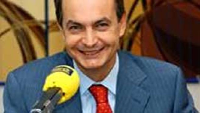 """Zapatero considera que el alto el fuego de ETA """"es real"""". (Efe)"""