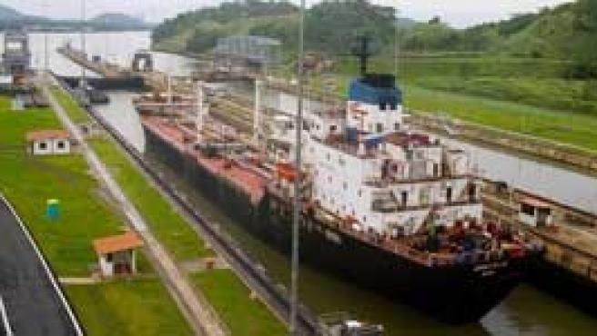 Torrijos ha dado el pistoletazo de salida a la faraónica ampliación del Canal de Panamá. (Reuters)
