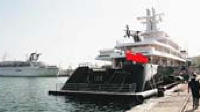 Dos de los buques que llegaron ayer a la capital permanecieron atracados en el muelle 2 durante toda la jornada.