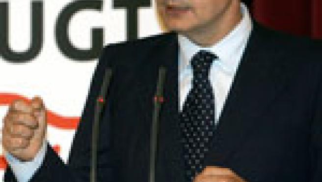 Zapatero en el acto por el 75 aniversario de la Federación de Trabajadores de la Enseñanza de UGT. (Efe)