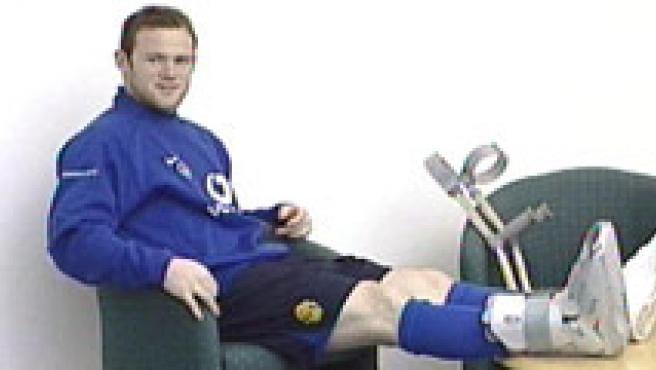 Wayne Rooney, durante una entrevista en la sede del Manchester (AP)