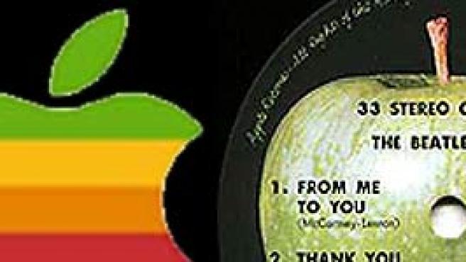 Detalle del logotipo de Apple y de la manzana de los Beatles.