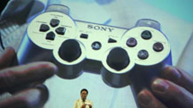 Presentación en el E3 del nuevo mando de la PlayStation 3 (AP/Kevork Djansezian)