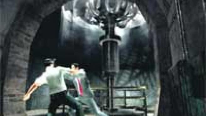 El videojuego de El código... (arriba). A la derecha, Lobezno, de X-Men.