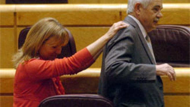 Manuela de Madre y Pasqual Maragall, tras la aprobación del Estatut en el Senado (Foto: Efe)