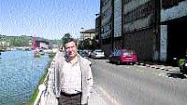 José Antonio Bardisa, portavoz vecinal, ayer, en su barrio.