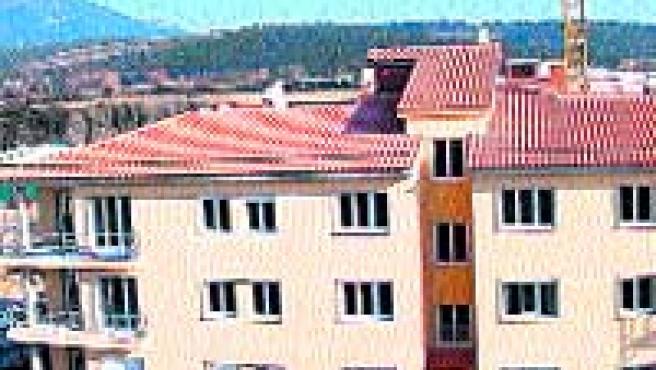 Promueve. Llars Montseny, S.L. Situación. Santa María de Palautordera. Información y venta. Carretera Vella, 63; Sant Celoni. Y en el tel. 938 670 278.