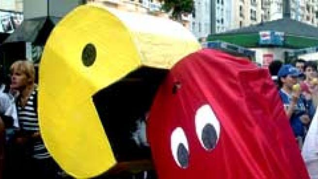 Un juego de Pac-Man en vivo en la Plaza de Callao.