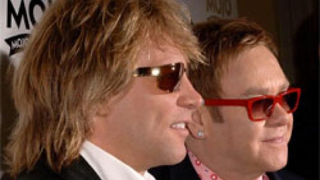 Elton John y Bon Jovi, en la ceremonia de premios (Foto: AP)