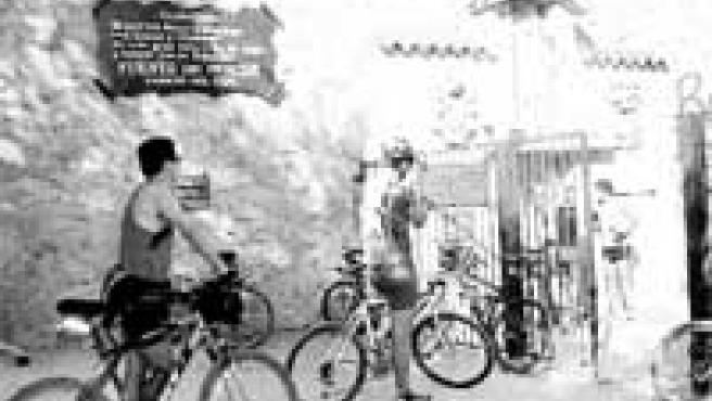 Llegar a Santiago a fuerza de pedales es una de las opciones de los peregrinos.