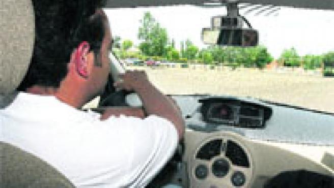 Para girar rápido es mejor coger el volante casi desde abajo.