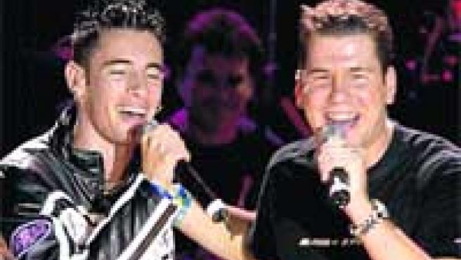 Andy y Lucas, en plena actuación durante uno de sus conciertos.