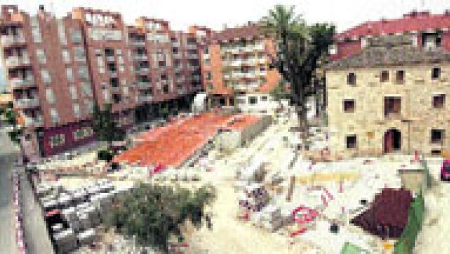Estado de las obras del jardín de Cayitas de Alcantarilla, objeto de la polémica.