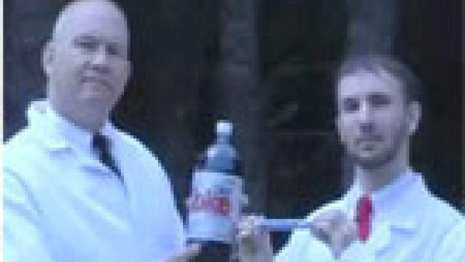 Grobe y Voltz, los responsables del vídeo 'Mentos y Coca Cola' más espectacular.