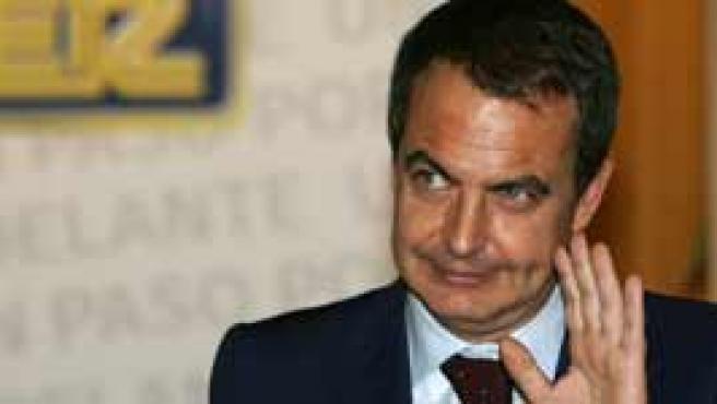Zapatero durante la entrevista (Efe).