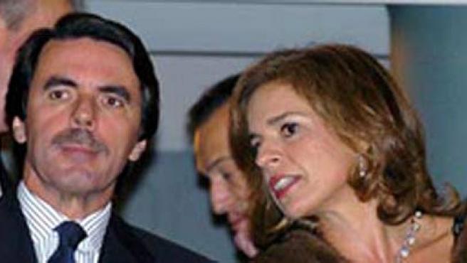 Aznar y su esposa, titulares de Famaztella SL