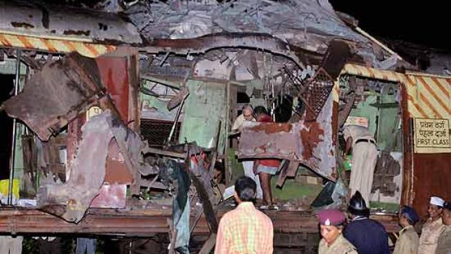 Uno de los trenes atacados en Bombay. (AP)