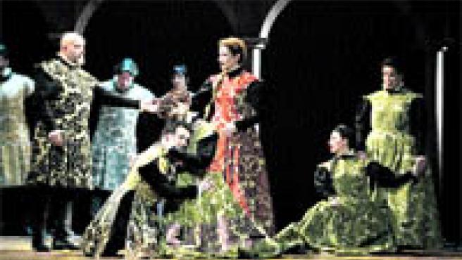 Vistosos ropajes caracterizan el vestuario de 'La tragicomedia de Don Duardos', de la CNTC (Archivo)