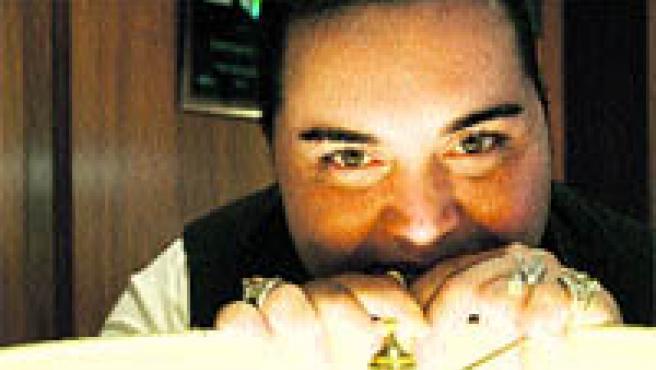Falete vendió más de 60.000 copias y alcanzó el disco de oro con su primer álbum (Jorge París).