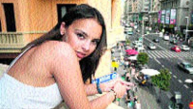Chenoa posa en un balcón de la sede de 20 minutos en Madrid (S. G.).