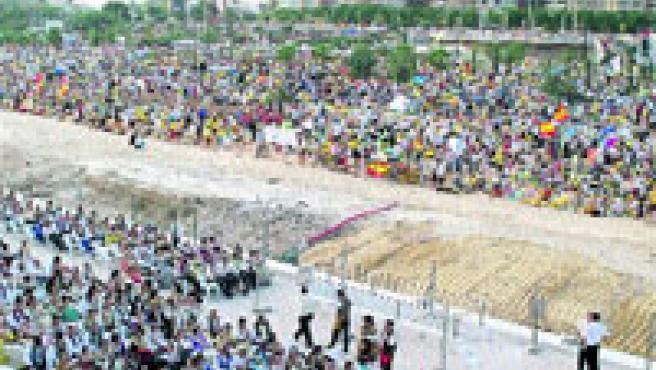 Lugar donde estaban ubicadas las comisiones falleras que participaron en el desfile al Papa. (Josep V. Zaragoza)