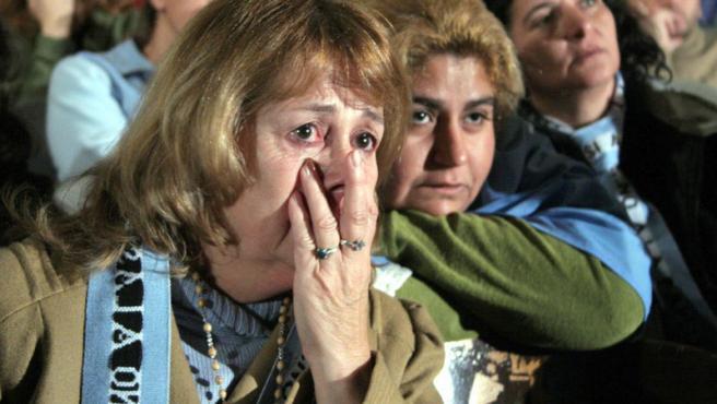 Residentes de Gualeguaychú, en Argentina, donde se construyen las papeleras, reaccionan ante el fallo adverso de la Corte Internacional de Justicia de La Haya. (Christian Rodríguez / Reuters)