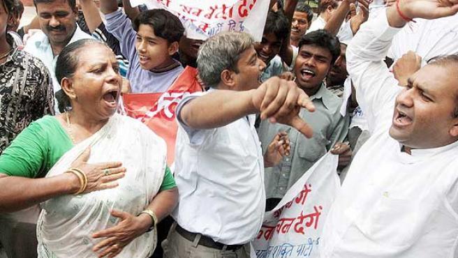 El sentir general en India es que grupos paquistaníes están detrás de los atantados (Money Sharma / EFE)