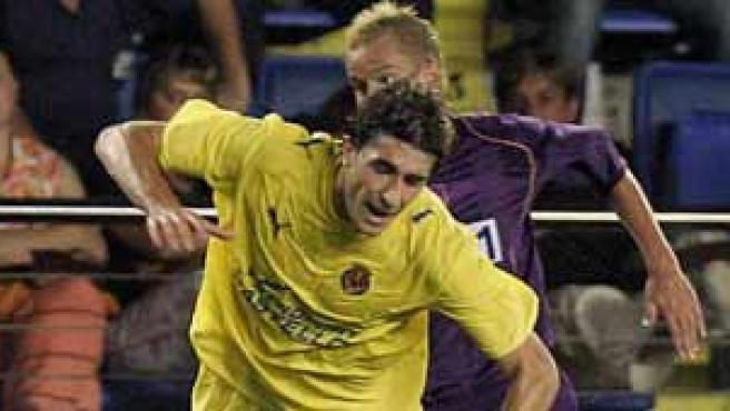 Cani, en una jugada del Villarreal-Maribor en el Madrigal.