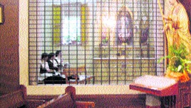 Las religiosas de la Sangre en plena oración.(F. González)