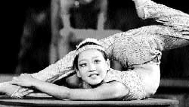 Los contorsionistas, como la niña de la imagen, son un orgullo para el país(Michael Reynolds/efe)