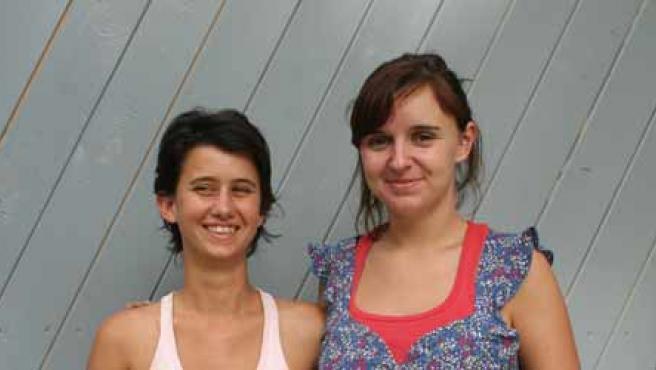 De izquierda a derecha, Gabriela y Cristina