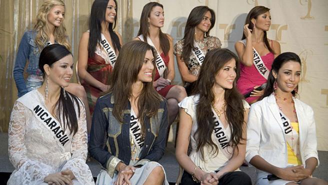 Algunas de las candidatas a Miss Universo durante una rueda de prensa celebrada en Los Angeles Foto:REUTERS
