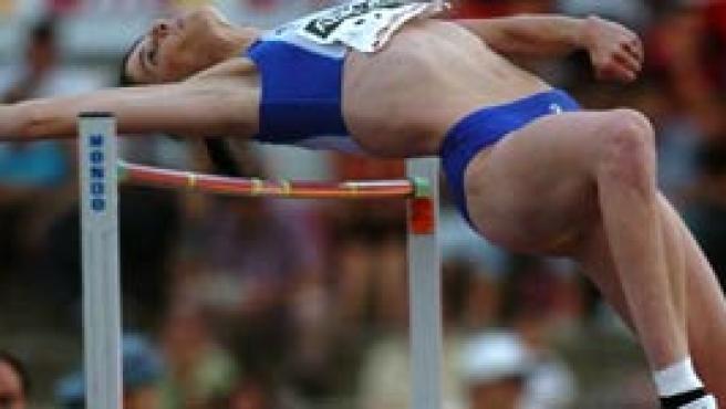 Ruth Beitia durante su participación en la prueba de salto de altura (Emilio Naranjo/EFE)
