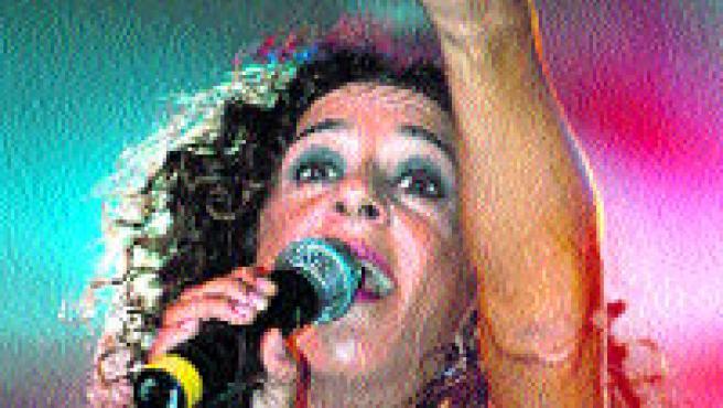 Rosario cierra esta noche los conciertos de Manises.