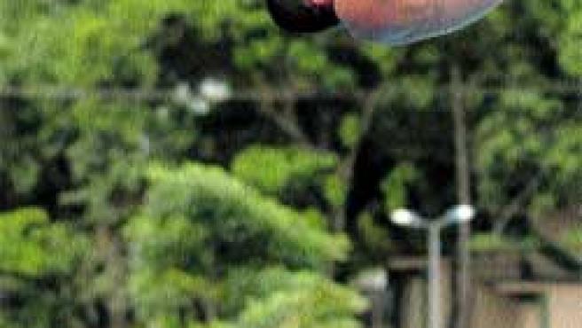 El saltador cubano José A. Guerra Oliva.